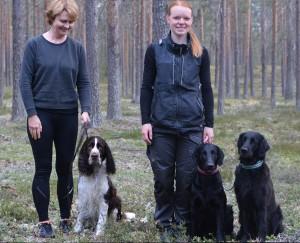 """Monica Wikström med """"Melton"""", (Backa Tinkerbell Kind-King,  2:a i uttagningstävlingen) och Andrea Stenlund med """"Busa"""", (Skeppartorps Party Princess) och Hinnareds Gnista"""